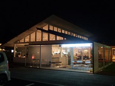 ジンズガーデンスクエア カフェ (JIN'S GARDEN SQUARE CAFE)