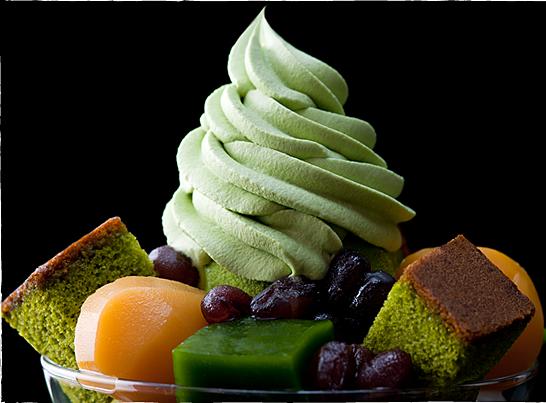 食べる抹茶京都都路里のパフェ
